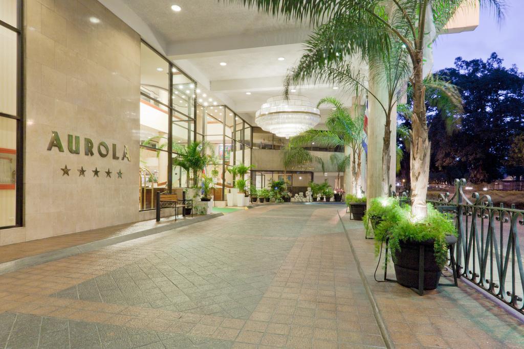 aurola hotel lobby